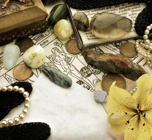 La scoperta del mondo minerale tra storia, antropologia, tradizione e religione